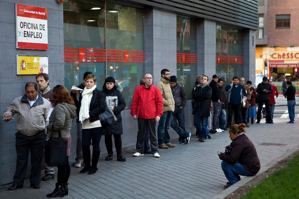 Spanish jobless claims fall in May for fourth straight month
