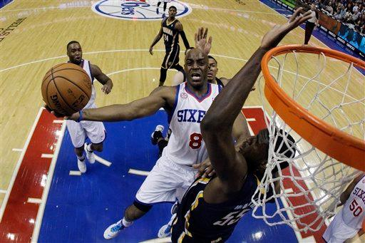 Hawes leads 76ers past Pacers, 98-91