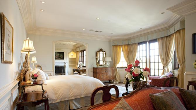 A photo made Monday, Nov. 7, 2011 shows the bedroom at the Carolwood Drive home where singer Michael Jackson passed away in 2009, in Beverly Hills, Calif. Julien's Auctions will sell various antique furnishings and paintings that surrounded the King of Pop at the home he rented as he prepared for a series of comeback concerts. The auction is set for Dec. 17. (AP Photo/Dan Steinberg)