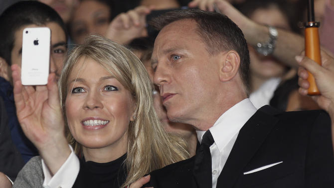 Reporter says he 'routinely' hacked Daniel Craig