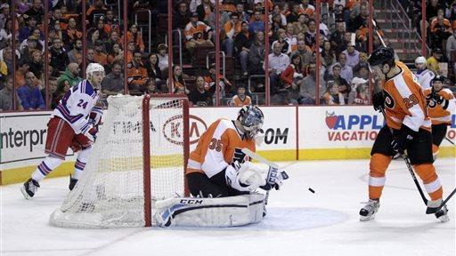 Flyers solve Lundqvist in 4-2 win over Rangers