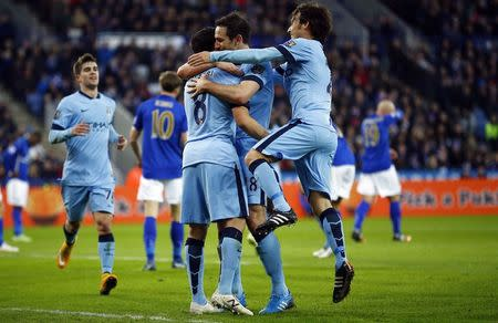 Man City primed to pounce on leaders Chelsea