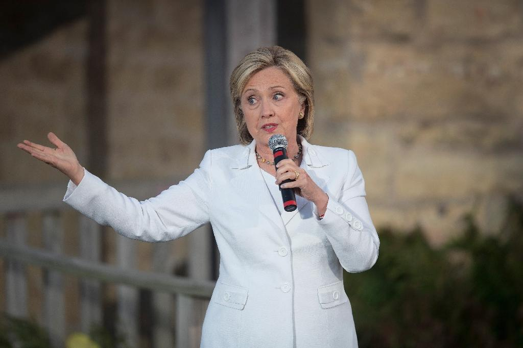 Thousands of Clinton emails released, scores retroactively classified