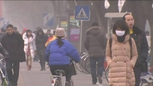 Hazardous Air Quality Forces Beijing Residents Indoors