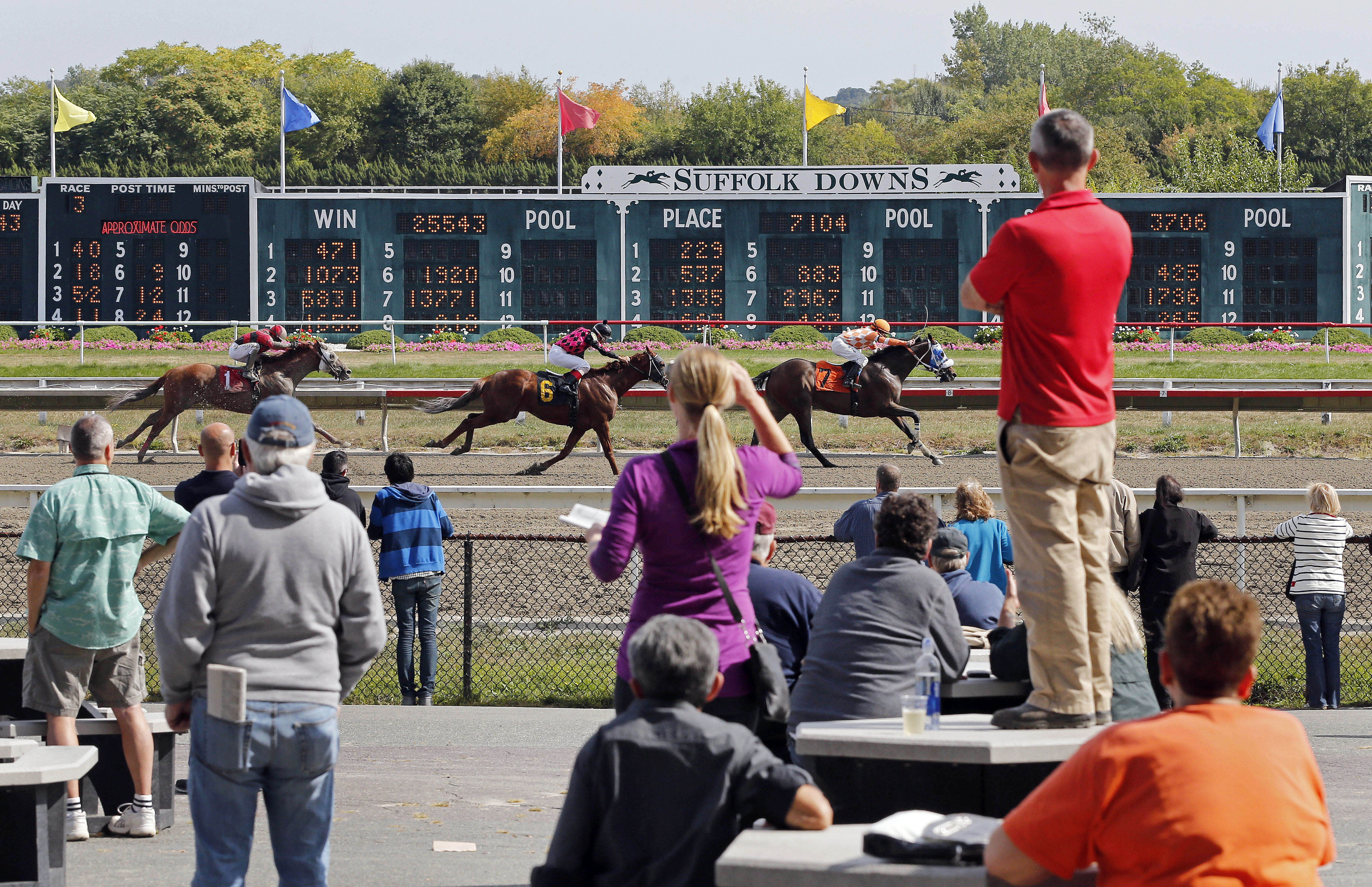 Racing might return to New England's last thoroughbred track