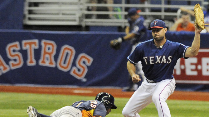 Carter homers, Astros top Rangers 6-5 in Alamodome