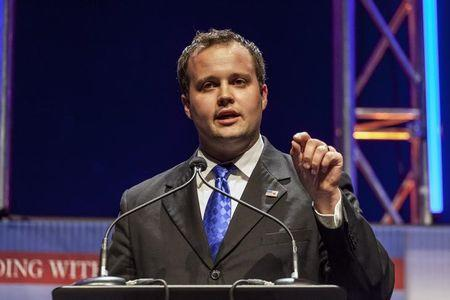 Reality TV's Josh Duggar enters rehab after admitting cheating