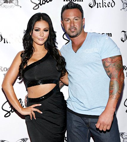 "Vinny Guadagnino Predicts JWoww Will ""Fist Fight"" Roger Mathews on Wedding Day"