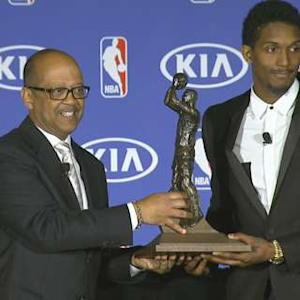 Williams Accepts Kia Sixth Man Award