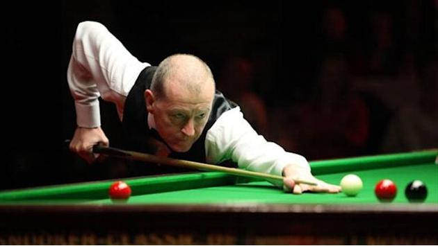 Snooker - Davis misses out on China Open