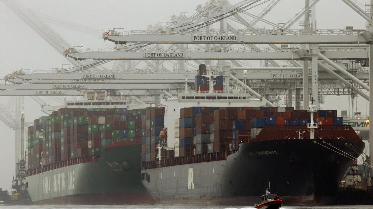 US current account deficit falls to 14-year low