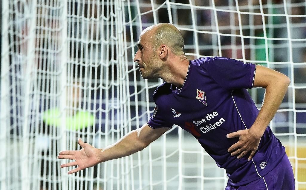 Fiorentina on top as Juve win and Napoli crush Milan