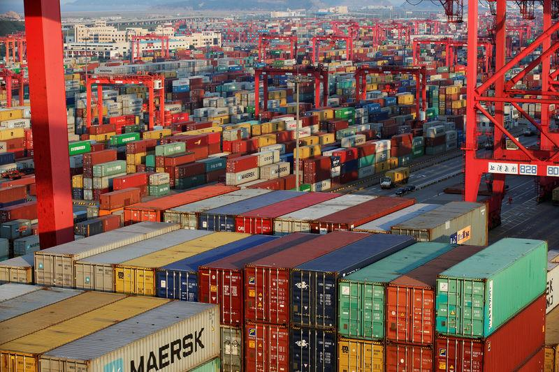 WTO cuts 2016 world trade growth forecast to 1.7 percent, cites wake-up call