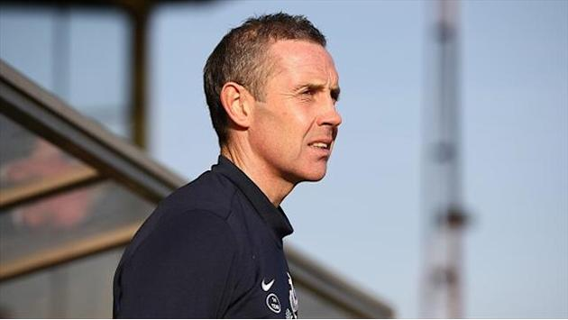 League One - Warburton welcomes Weir to Brentford