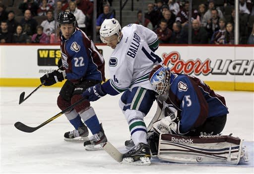 Canucks rally for 3-2 shootout win over Avalanche
