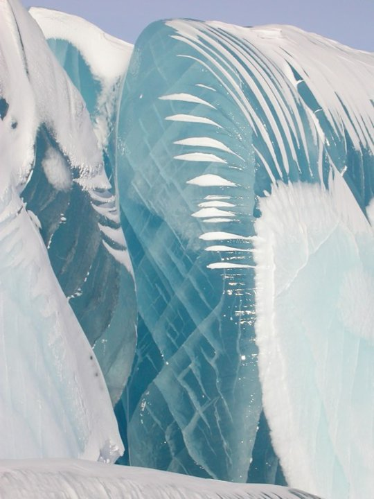 Antarctic waves