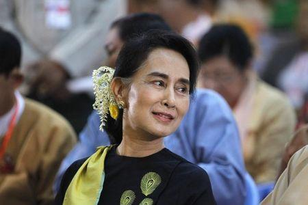 Myanmar president hosts rare Suu Kyi talks amid constitution debate