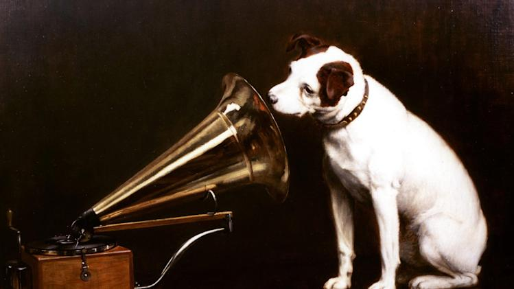 HMV suspends share trading, seeks rescue