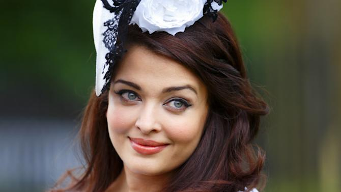 Aishwarya parties with the Queen
