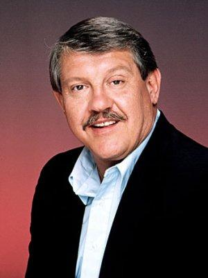 Alex Karras, Football Star Turned Actor, Dies at 77