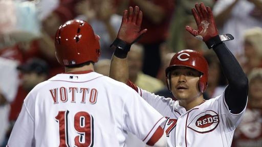 Slumping Votto homers, Reds beat Dodgers 3-2
