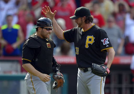 Bucs rally with 7 late runs, top Angels 10-9 in 10