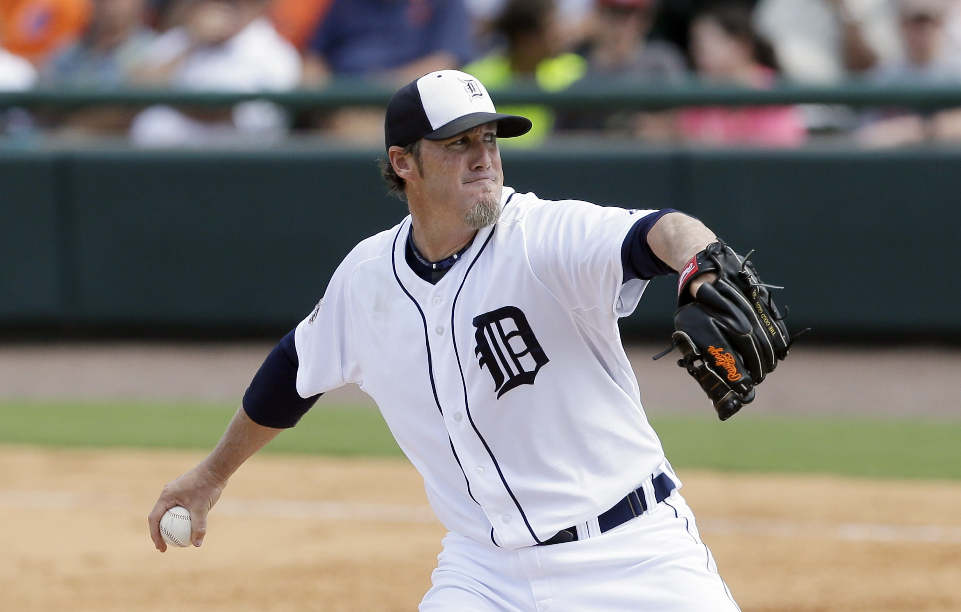 Joe Nathan needs Tommy John surgery but doesn't plan to retire