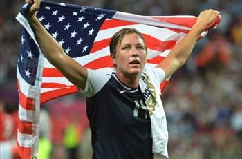 Abby Wambach overtakes Mia Hamm's international goalscoring record