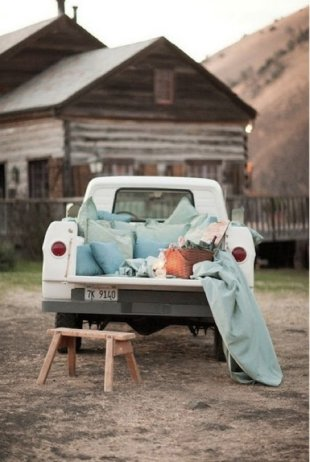 Top 5 Pinterest Pins – Picnic Season Inspiration! image pickup truck picnic