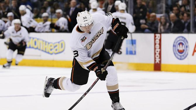 Anaheim Ducks left wing Jakob Silfverberg shoots the puck against the Los Angeles Kings during the third period of an NHL hockey game in Los Angeles, Saturday, March 15, 2014