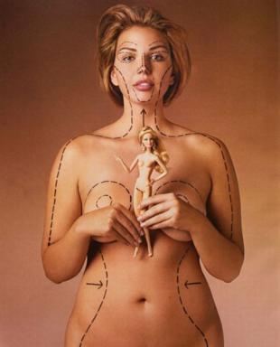 Las proporciones de Barbie en una mujer real son aterradoras