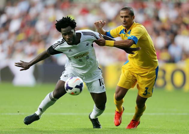 Soccer - UEFA Europa League - Play Offs - First Leg - Swansea v Petrolul Ploiesti - Liberty Stadium