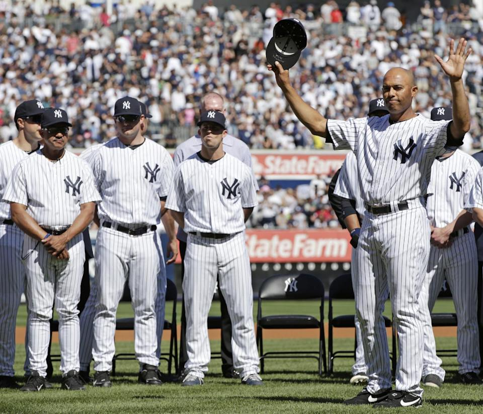 Yankees honor Rivera in pregame ceremony
