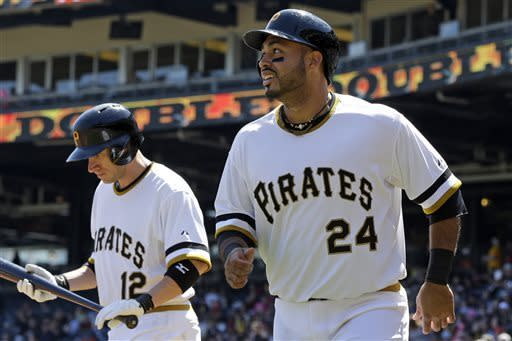 Slumping Barmes leads Pirates over Braves 4-2