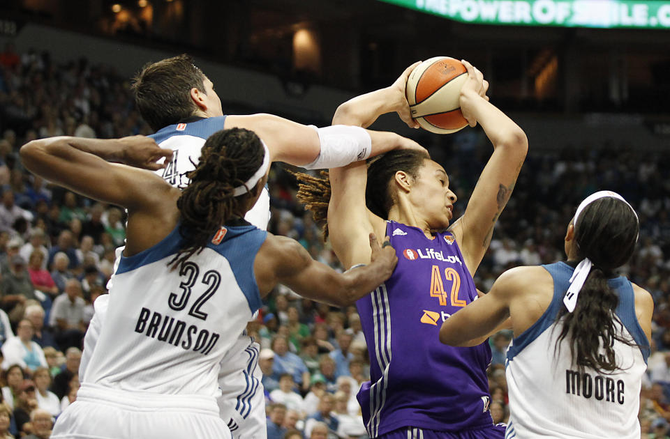 Lynx gang up on Mercury for 85-62 win