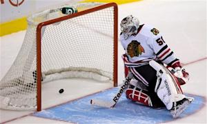 Schroeder's SO goal lifts Canucks over Blackhawks