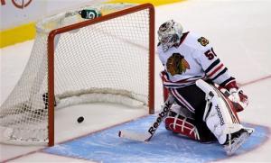 Schroeder's SO goal lifts Canucks over Blackhawks
