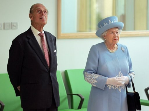 <p>Britain's Queen Elizabeth II and Prince Philip listen arrive at the South West Acute Hospital in Enniskillen, Northern Ireland, on June 26. The queen shook hands with former IRA commander Martin McGuinness on Wednesday in a landmark moment in Northern Ireland's peace process, Buckingham Palace said.</p>