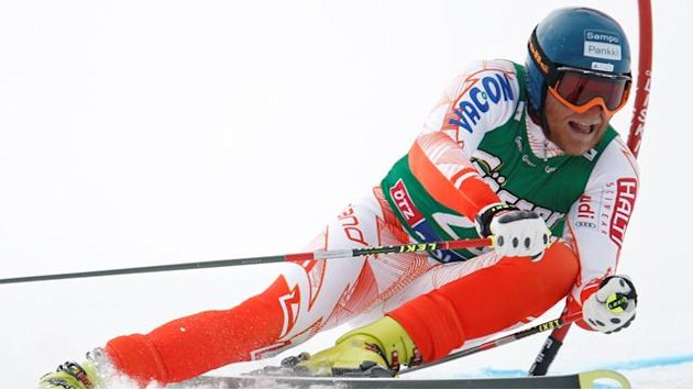 Palander quits skiing after injury