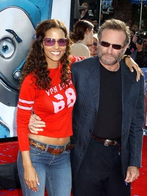 Halle Berry and Robin Williams at the Westwood premiere of 20th Century Fox's Robots