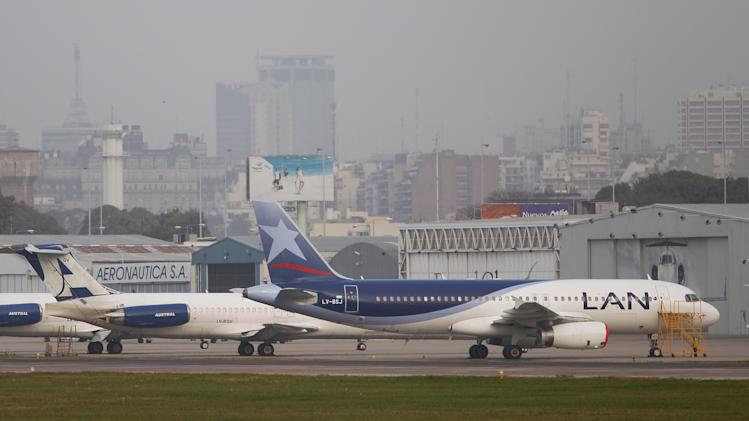 Argentina airline unions threaten strike over LAN