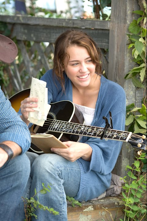 Miley Cyrus Hannah Montana The Movie Production Stills Walt Disney 2009