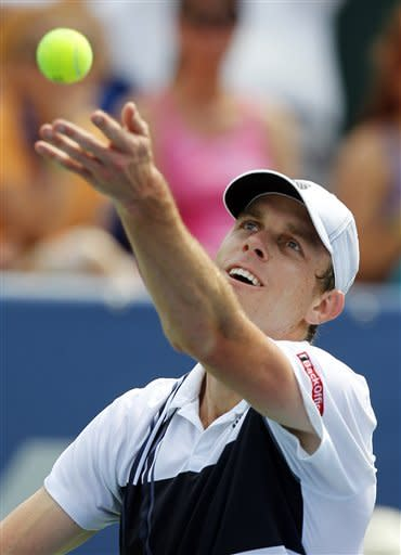 Isner, Tsonga advance in Winston-Salem