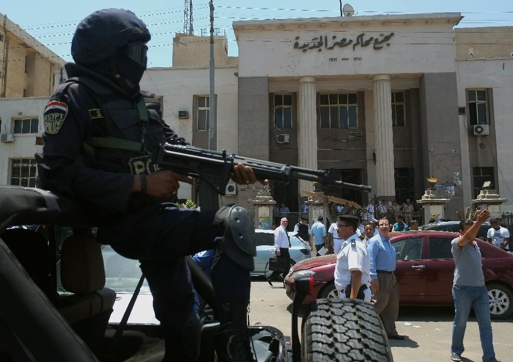 Egypt policeman killed in clashes with Morsi backers