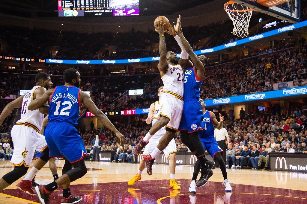 LeBron leads Cavaliers to narrow win over 76ers