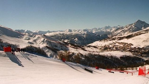 Alpine skiing general view