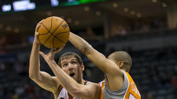 NBA: Phoenix Suns at Milwaukee Bucks