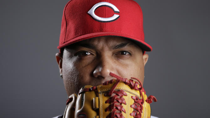 Reds move Simon into starter role with Latos hurt