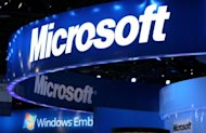 US software giant Microsoft faces yet more heavy fines after it promised to offer clients a choice of web browser but has failed to do so, the EU's competition commissioner said