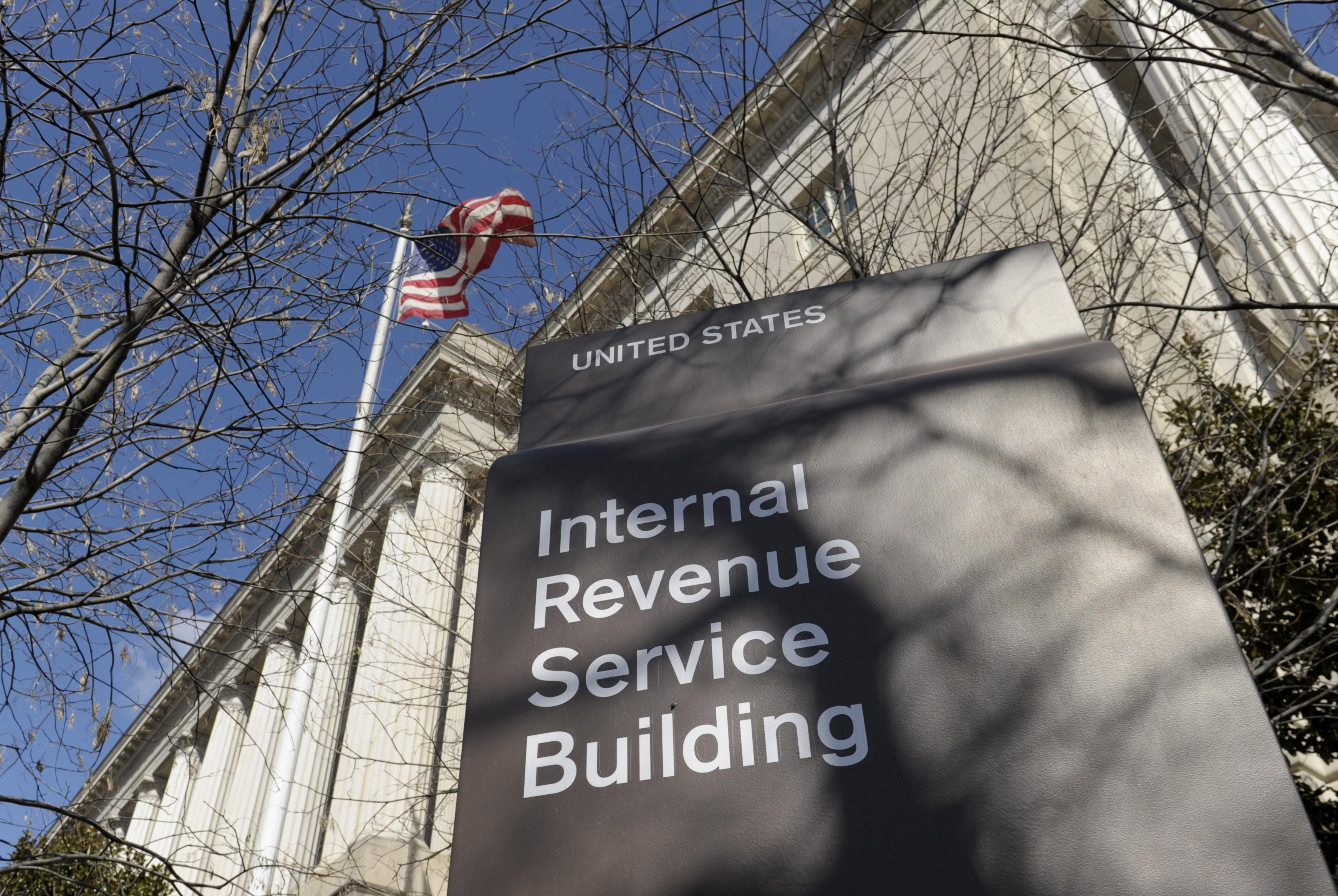 "Dangerous ""IRS"" scam unfolding on your phone"